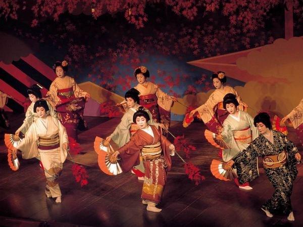 Какие танцы танцуют в Японии