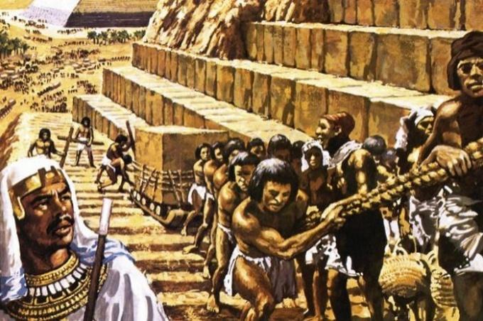 Пирамида фараона Хеопса - самая крупная египетская пирамида!