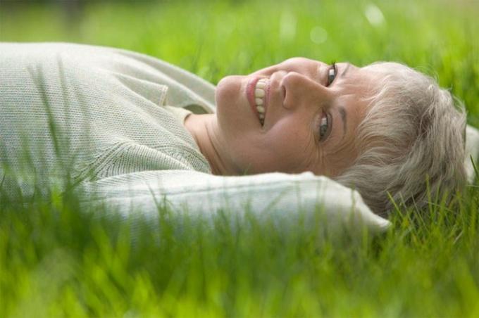 Какие витамины нужны женщинам за 40