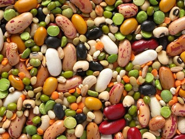 Бобовые, орехи и злаковые по количеству белка не уступают мясным продуктам