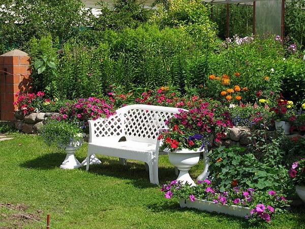 Уголок в саду для отдыха своими руками