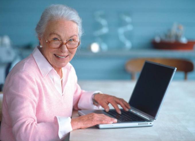 Выяснить список необходимых документов можно на сайте Пенсионного Фонда