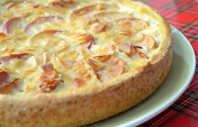 Печем немецкий пирог с яблоками и йогуртом