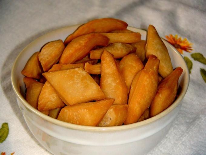 How to cook crackers Shakkar Para