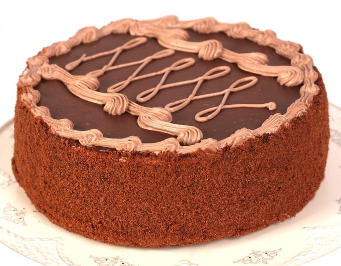 Ореховый торт с шоколадным кремом