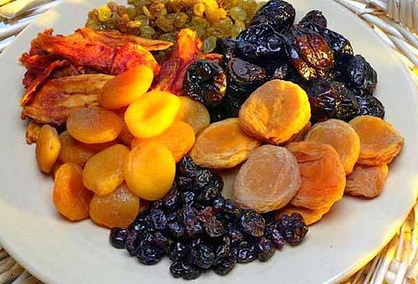 Чернослив, курага, сушеный инжир наиболее эффективны при запорах