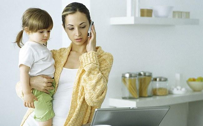 Где работать женщине с грудным ребенком