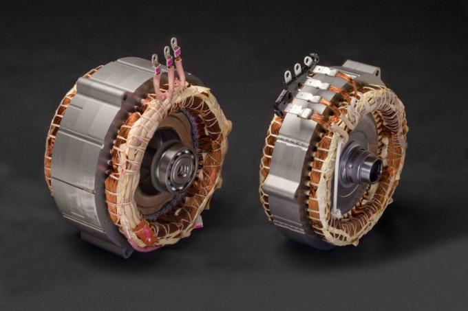 Каков принцип действия электродвигателя
