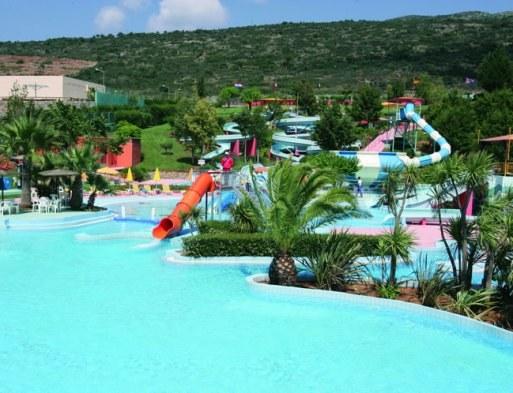 На какой курорт европейского юга поехать