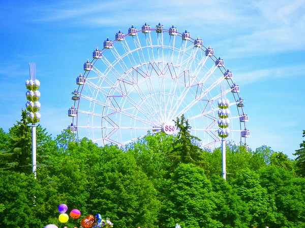 The tallest Ferris wheel in Moscow