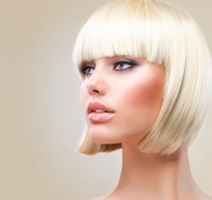 Как выбрать краску для осветления волос
