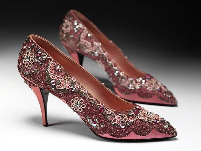 Как появилась обувь