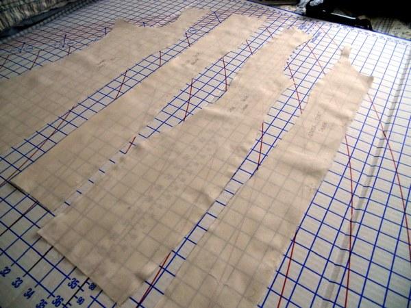 Раскладка выкройки на ткани