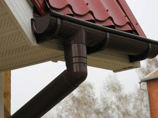 Как установить слив на крыше