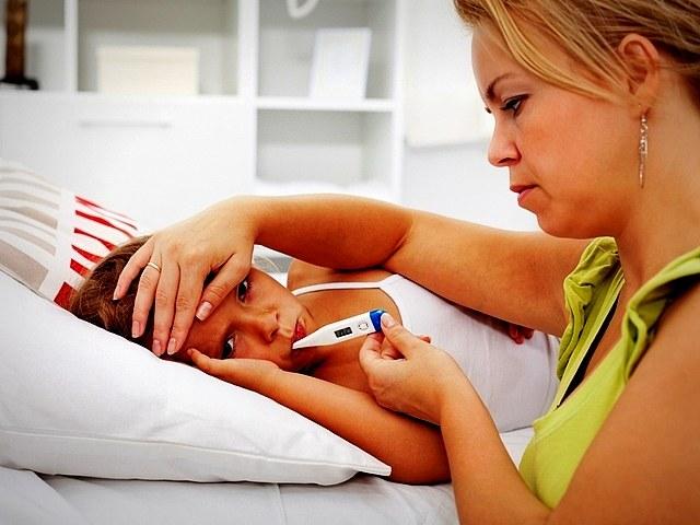 Важно отслеживать динамику температуры тела, чтобы не допустить превышения опасного порога