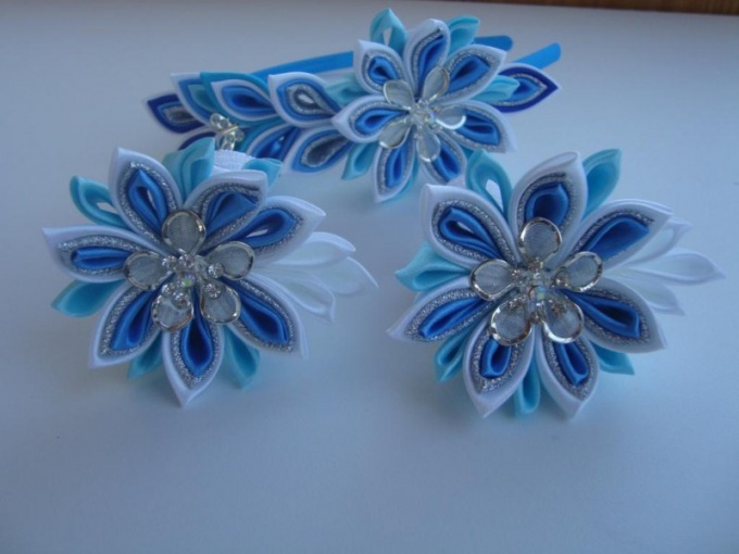 Products in the technique of kanzashi