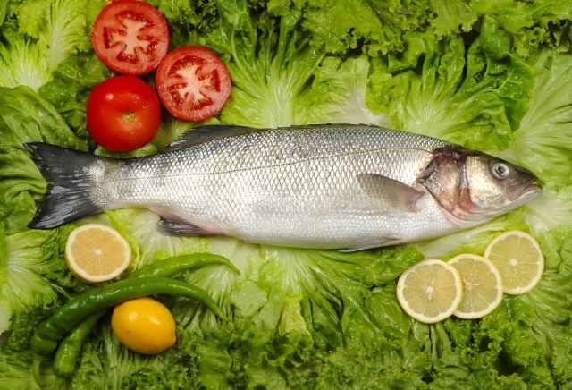 Which fish is the most low-calorie