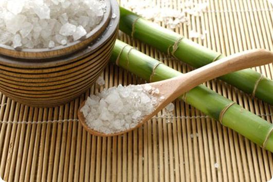 Морская соль укрепляет ногти