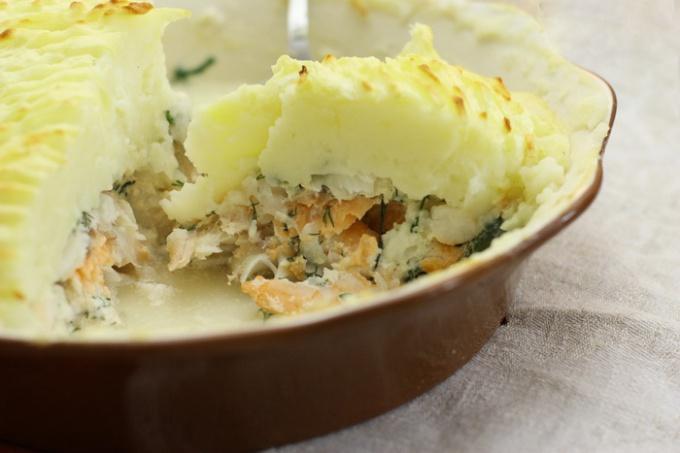 Как приготовить рыбный пирог с креветками?