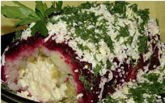 Как приготовить салат с копченым сыром?