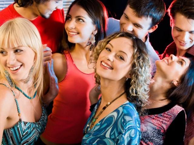 Веселые конкурсы для подростков на вечеринке