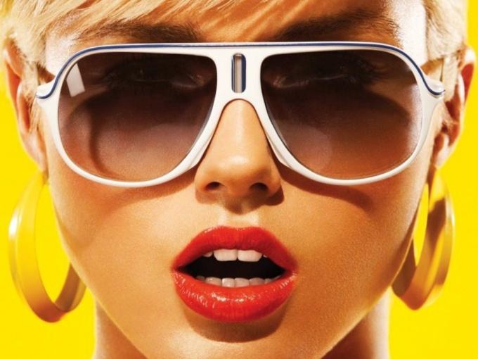 Солнцезащитные очки - неотъемлемый аксессуар лета