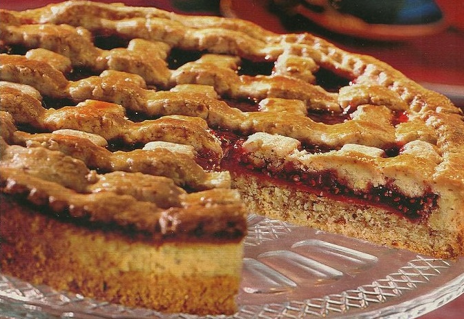 Как приготовить ореховый пирог с малиновой начинкой