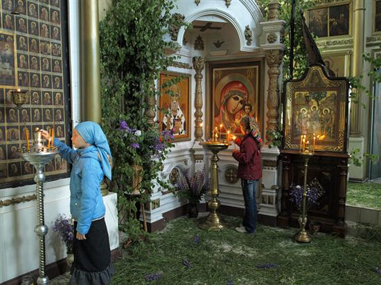 How decorate Orthodox churches on the Trinity