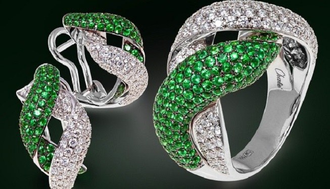 Which gemstone is suitable Cancers