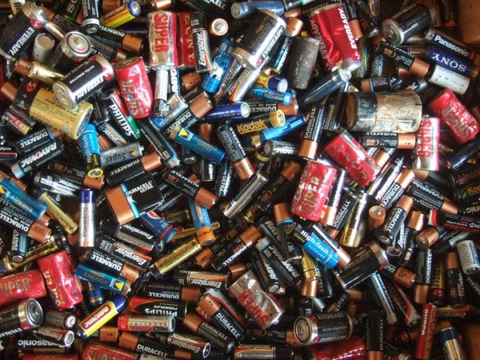 Батарейки как пример гальванических элементов