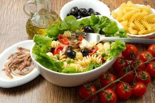 Ужин должен состоять из низкокалорийных и легкоусвояемых блюд