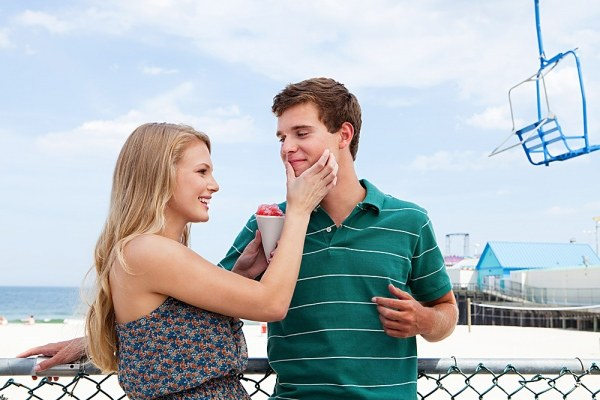 Почему девушка меняет парней как перчатки