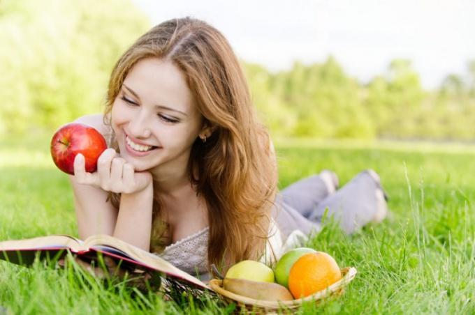 Какие продукты улучшают метаболизм
