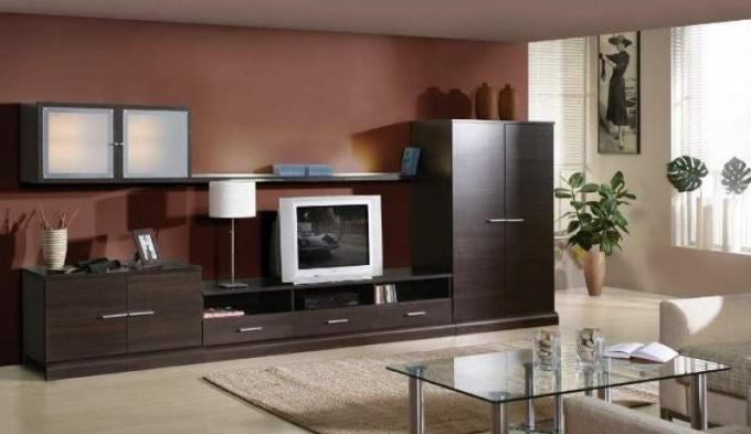 Для изготовления мебели понадобится инструмент для разметки, распиловки, сверления