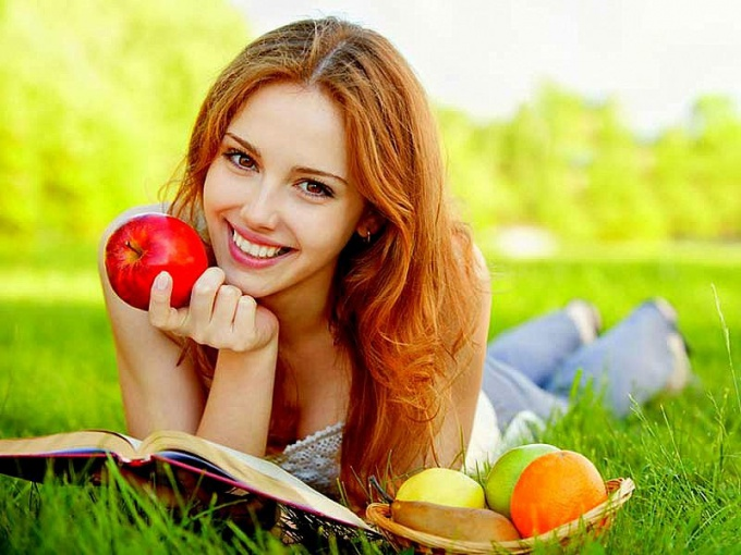 Нормальный обмен веществ во многом зависит от сбалансированного питания и здорового образа жизни