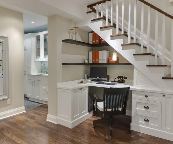 кабинет под лестницей фото