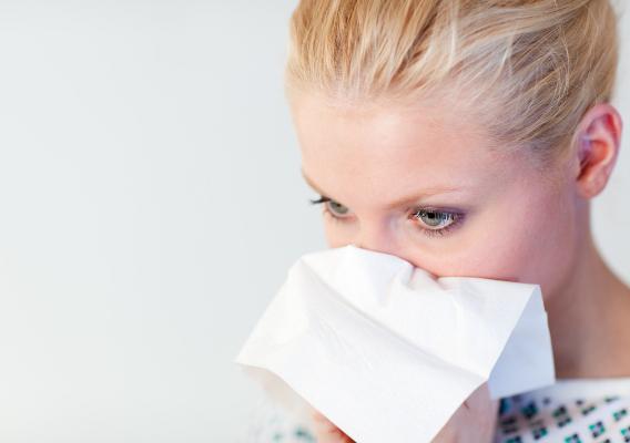 Как лечить насморк с помощью народных средств