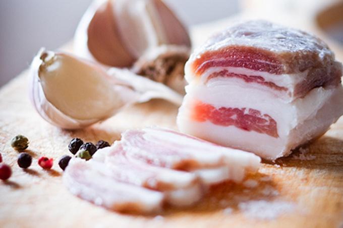 Рецепт засолки сала с чесноком