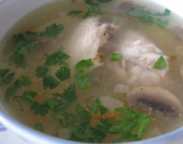Грибной суп с куриными крылышками