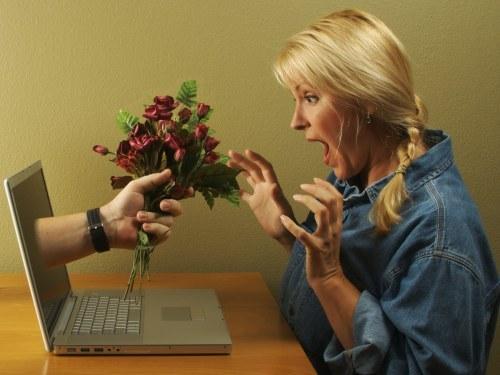 Как познакомиться с девушкой интернете — C чего начать общение в сети — фразы, статус, знакомства