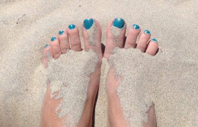 Грибок на пальце высох ноготь