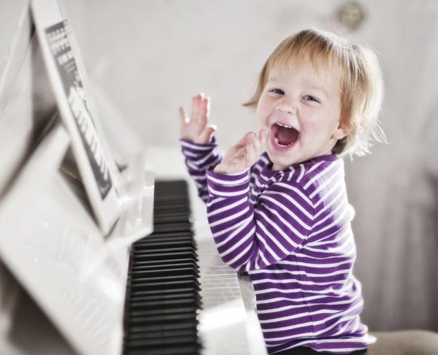 Какой музыкальный инструмент выбрать для ребенка