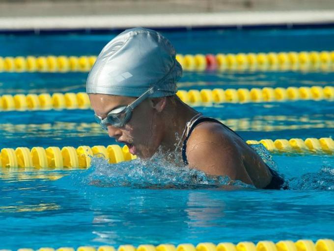 Лучший способ научиться плавать — прийти в бассейн