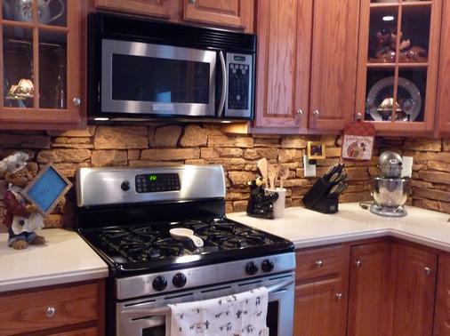 Как сделать фартук кухни из камня