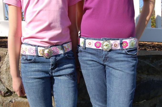 Как подобрать ремень к джинсам?