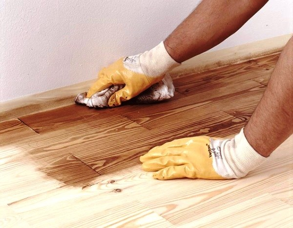 Как обработать деревянный пол