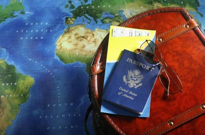 Как хранить документы в турпоездке