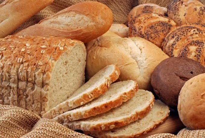 Почему лучше не есть хлеб