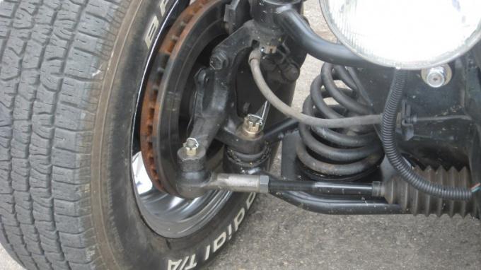 Шкворень является неотъемлемой частью поворотного колеса