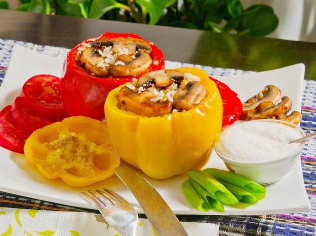 Вкусные и питательные фаршированные перцы - любимое многими блюдо